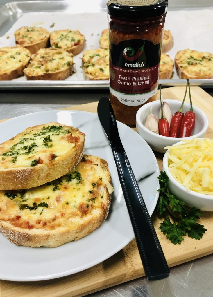 Cheesy Garlic & Chilli Bread